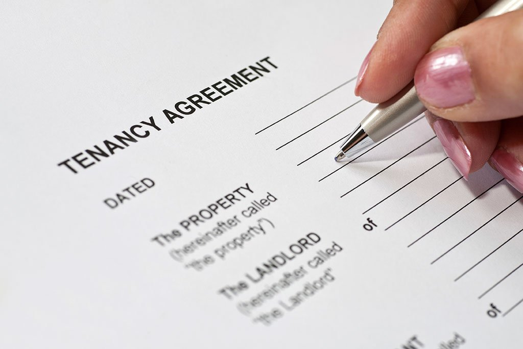 Person signing the tenancy agreement
