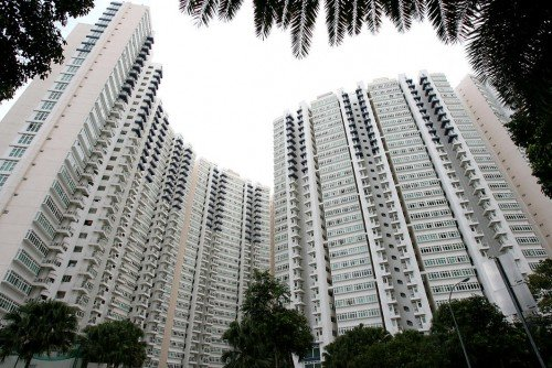 Costa Del Sol is a 99-year leasehold, 906-unit condo with towers reaching 30 storeys