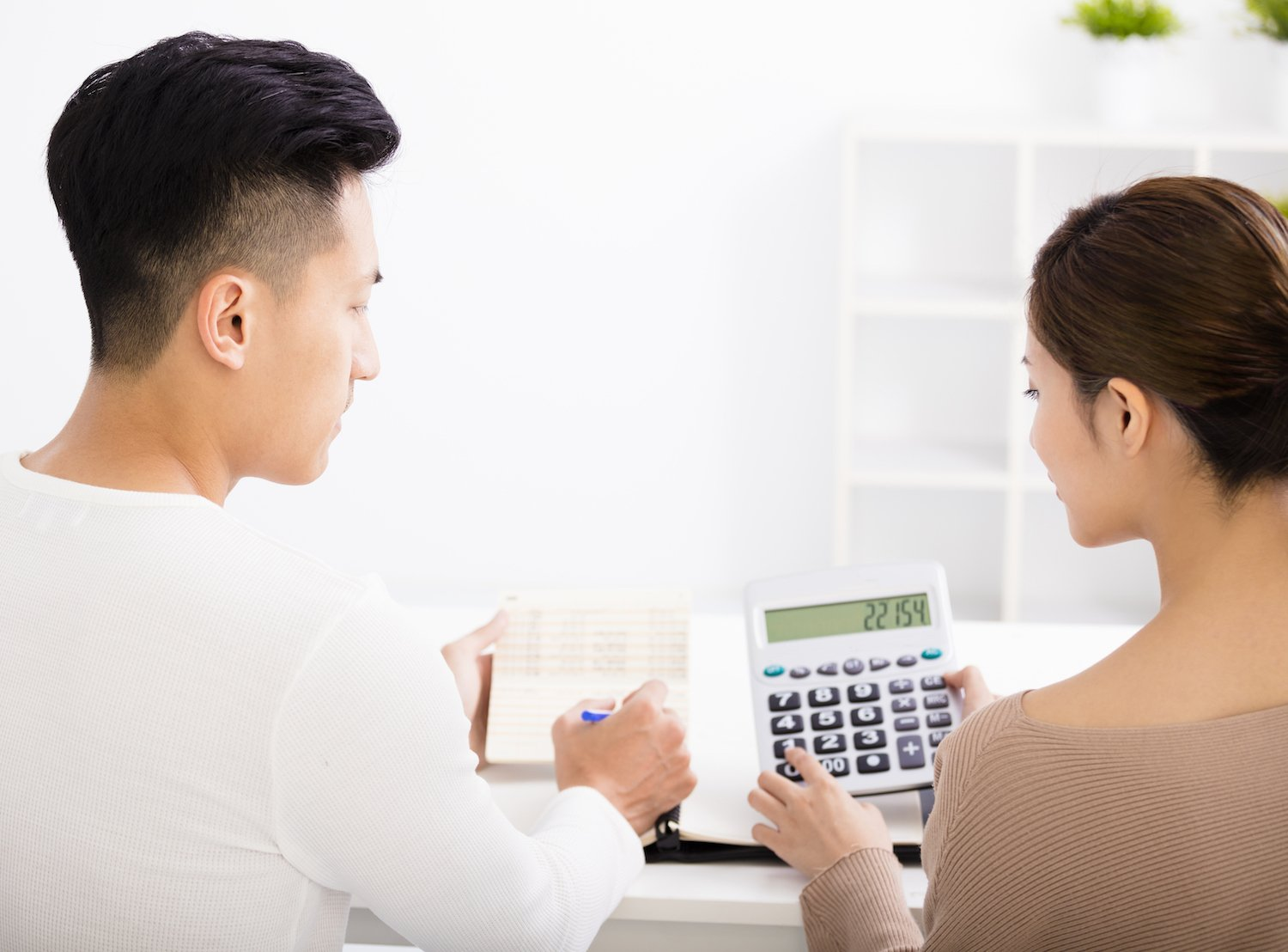 come up with a comfortable budget when buying HDB resale flat