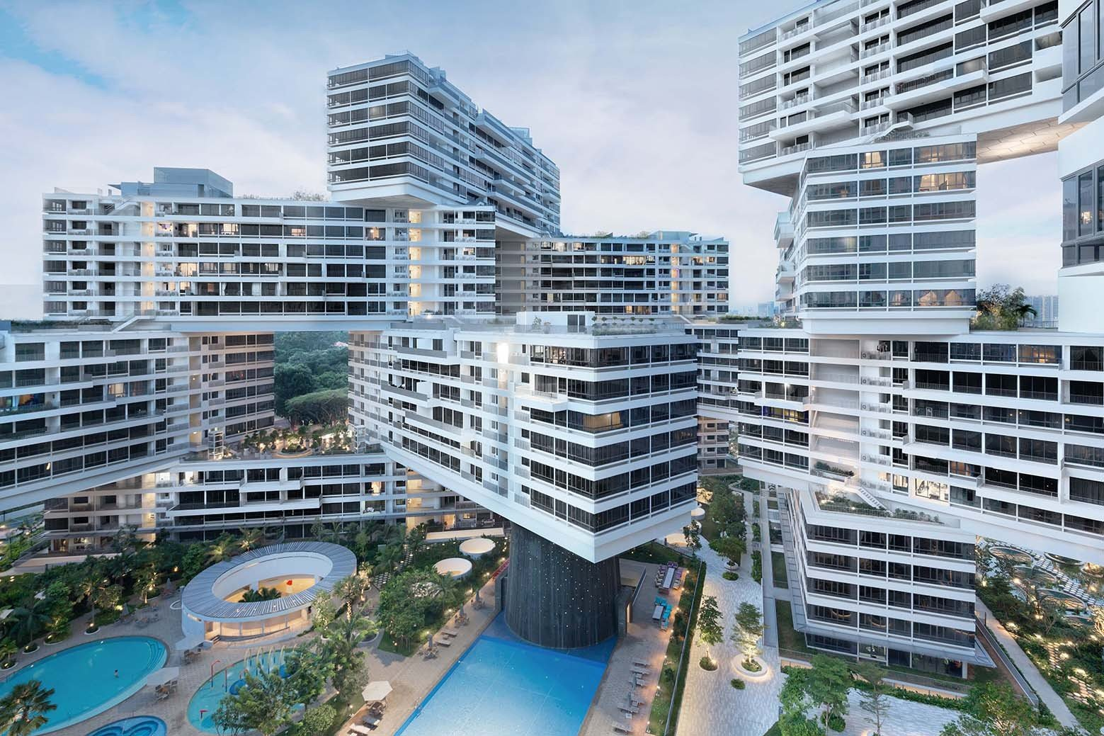 The Interlace is a 99-year leasehold development close to Alexandra Hospital and HortPark