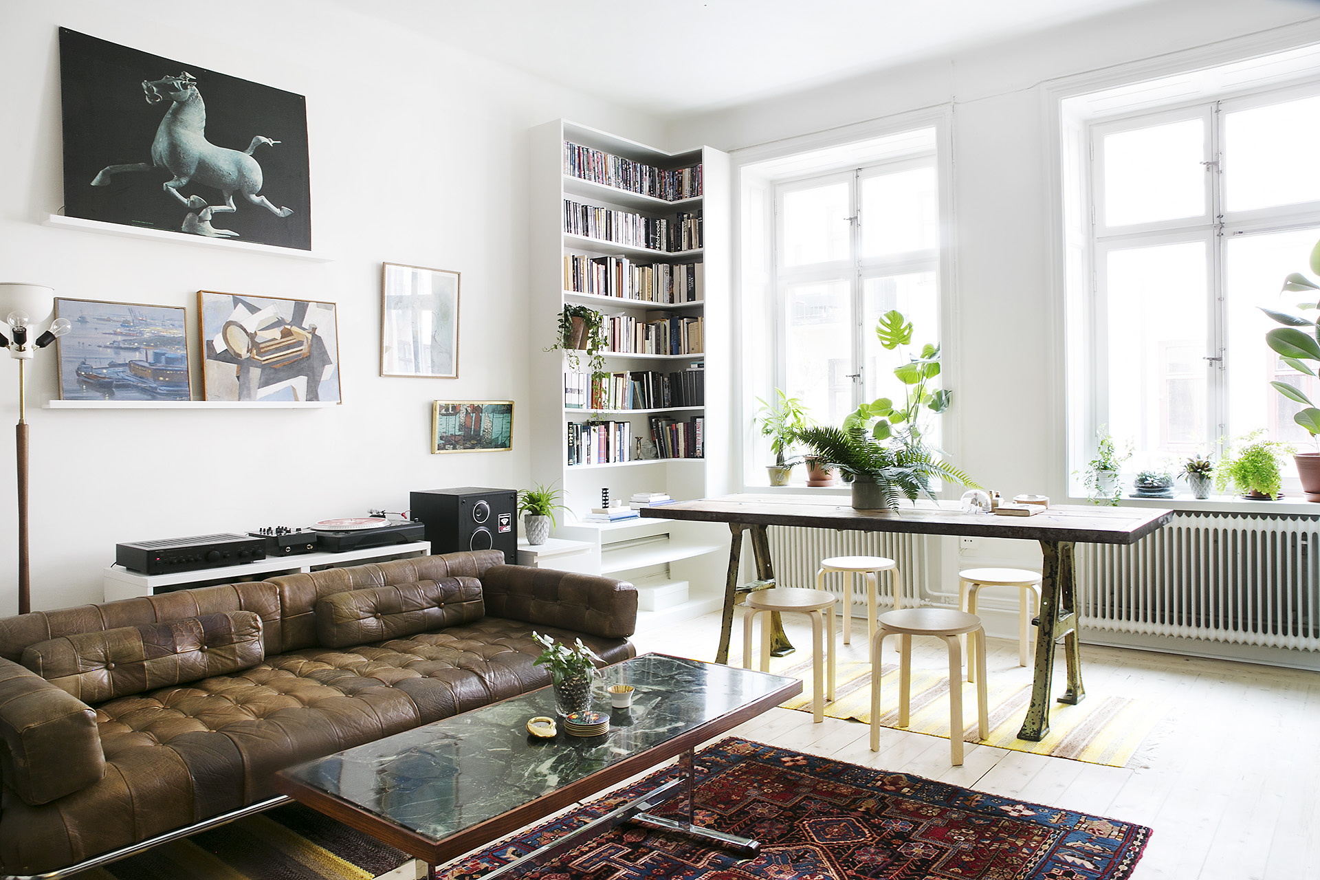 Five Easy Ways To Decorate Your Rented Apartment