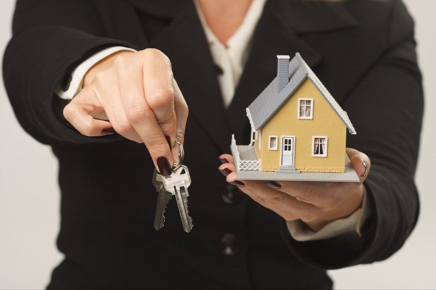 Always do your due diligence and not be conned by illegal real estate agents