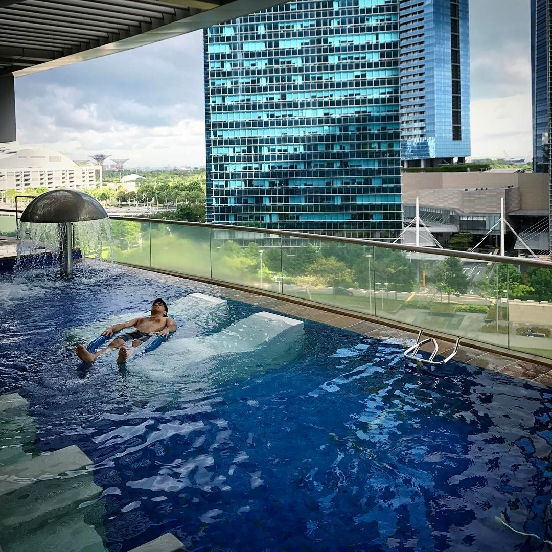 5 Drool Worthy Condo Swimming Pools That Can Rival Marina Bay Sands