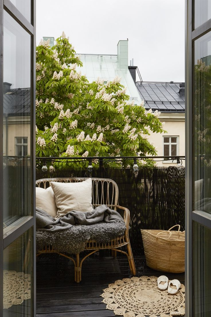 Apartment Balcony Decorating Ideas