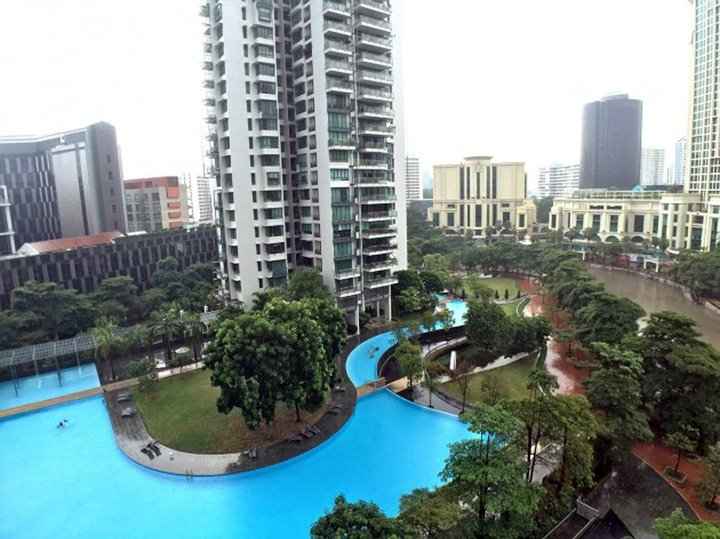 Condo sports facilities Singapore rivergate infinity pool