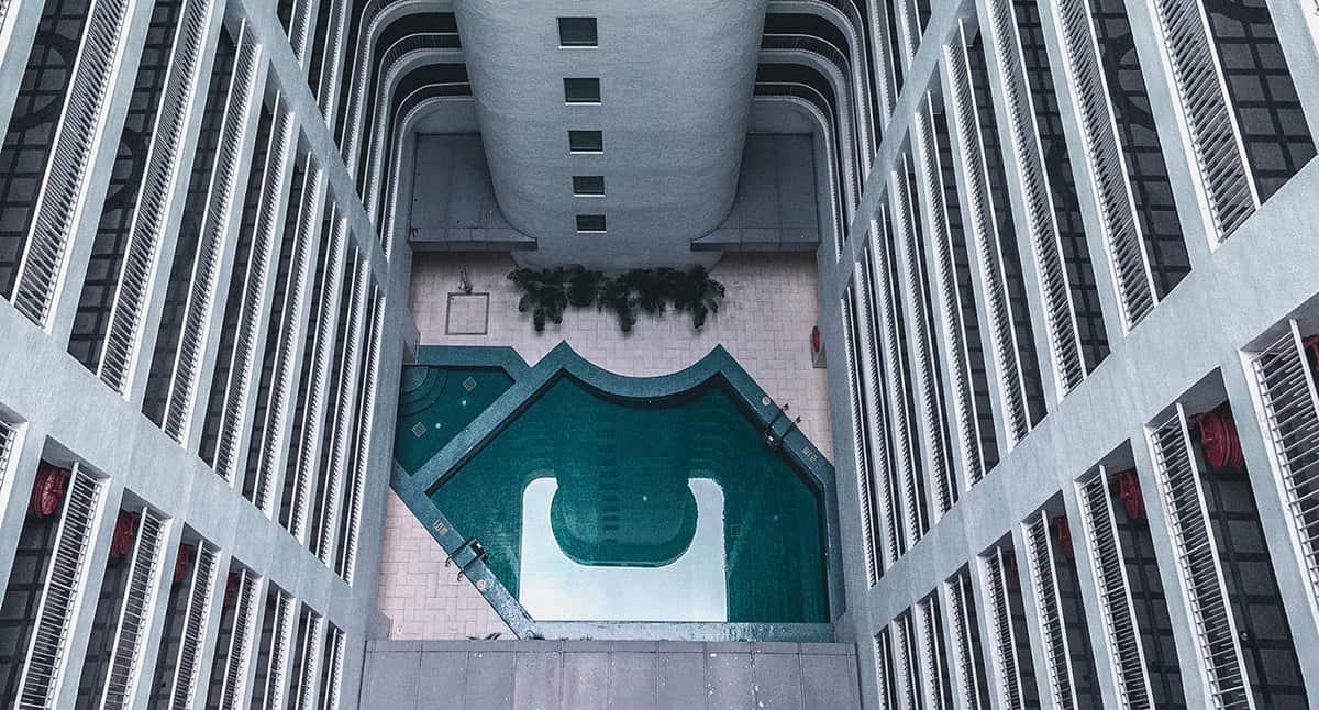 Swimming-pool-condominium-international-plaza