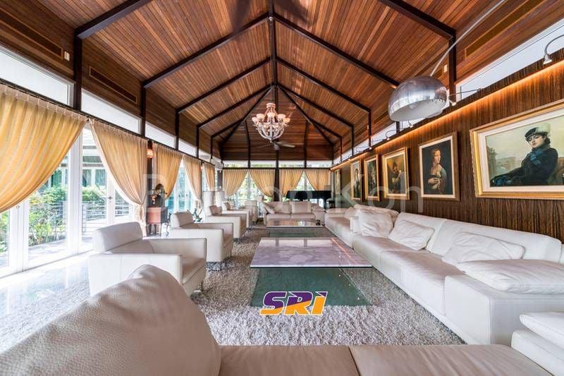 crazy rich asians 5 singapore landed homes fit for the 1 singapore condominium. Black Bedroom Furniture Sets. Home Design Ideas