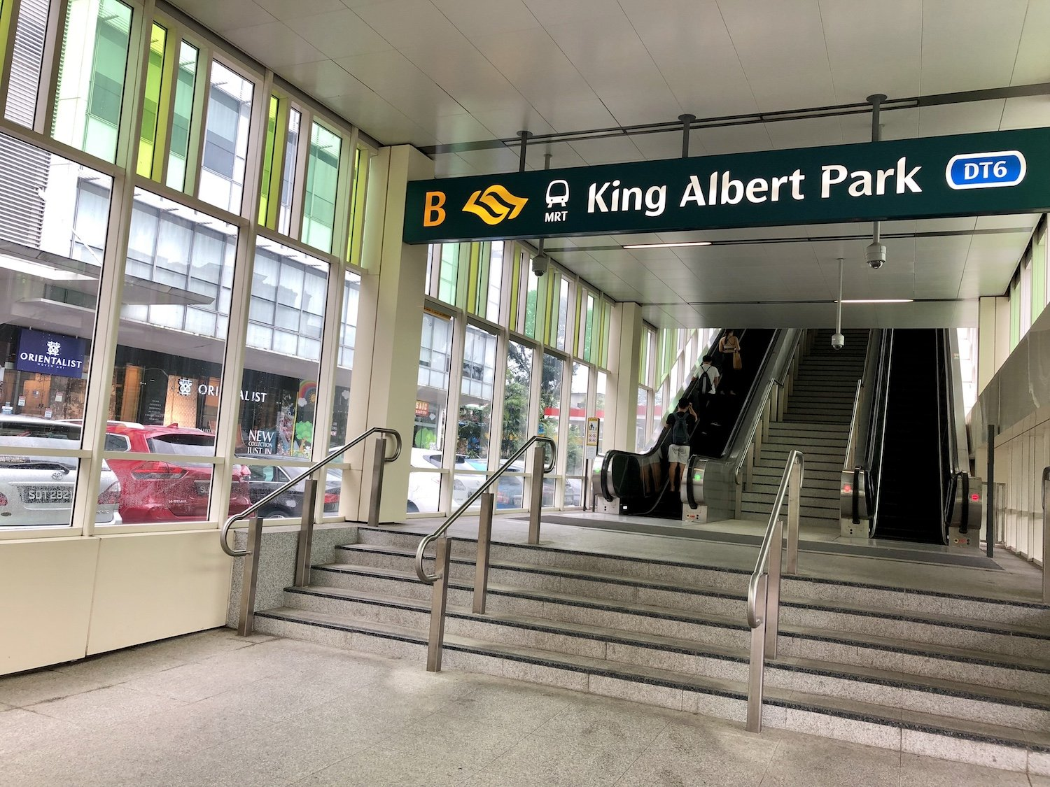 King Albert Park MRT is a five-minute walk away from Mayfair Modern