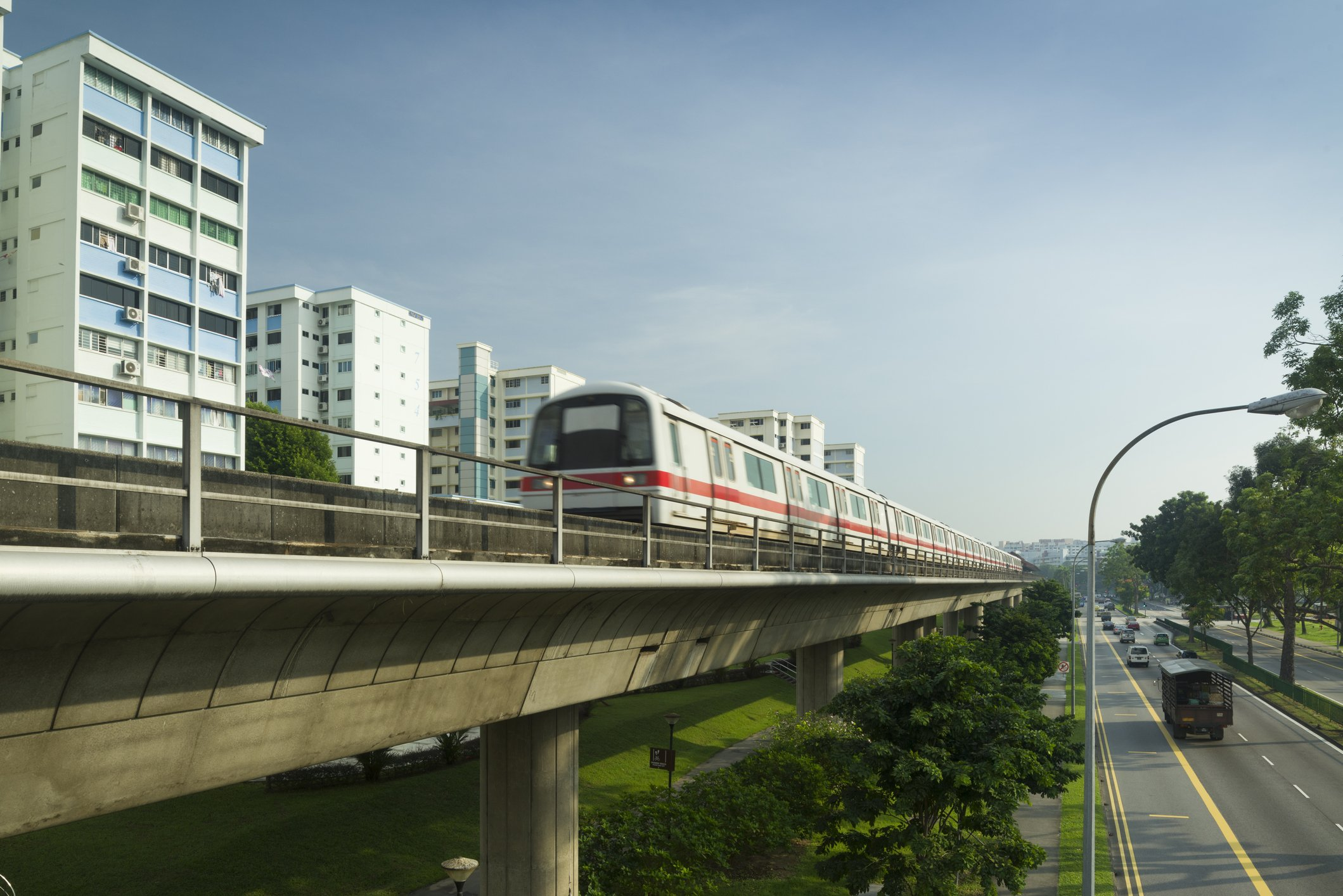 An Mrt train passing by Yishun.