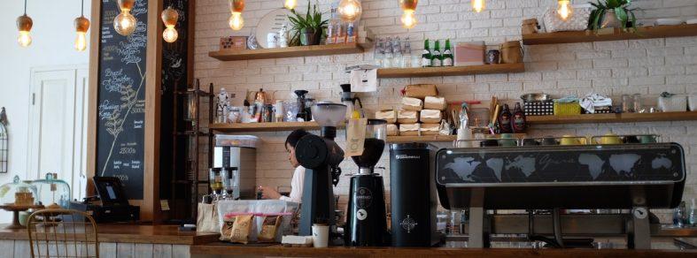 setting-up-cafe