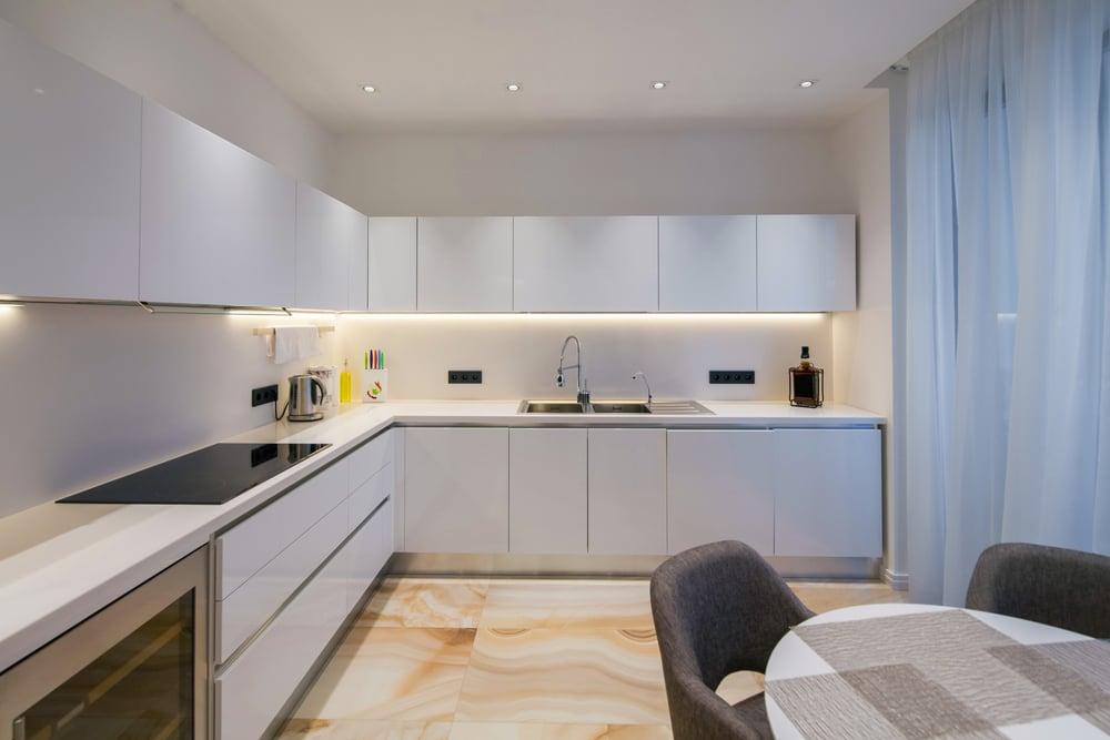 kitchen-cabinet-lights