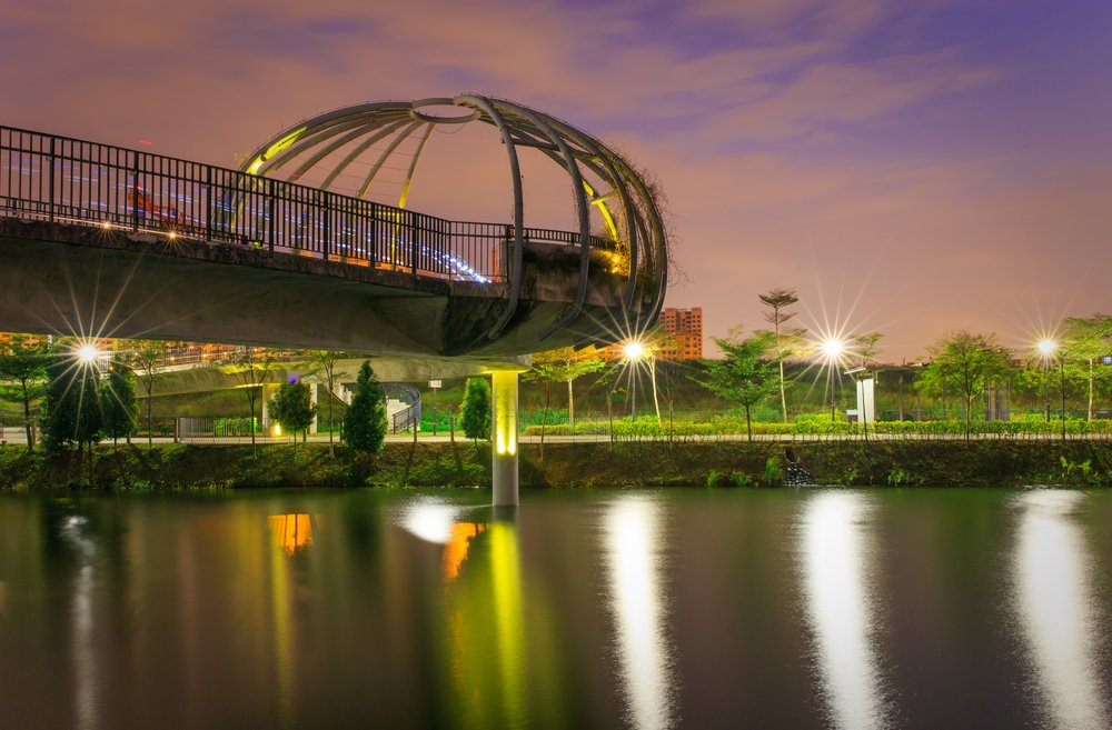 The Jewel Bridge standing magnificently in the night.