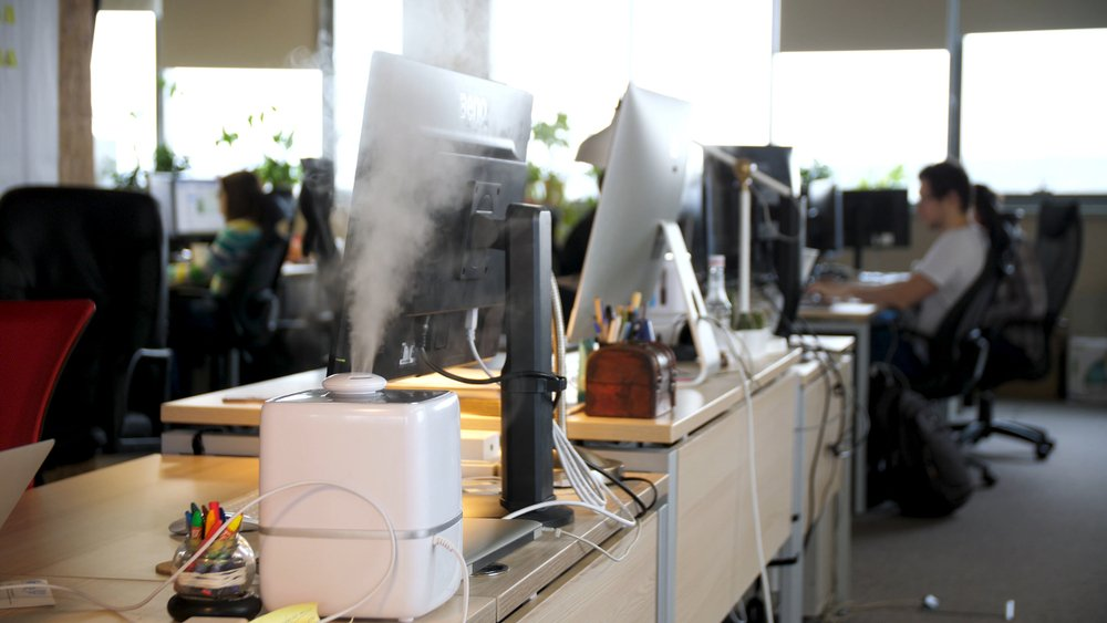 Humidifier placed on an office desk