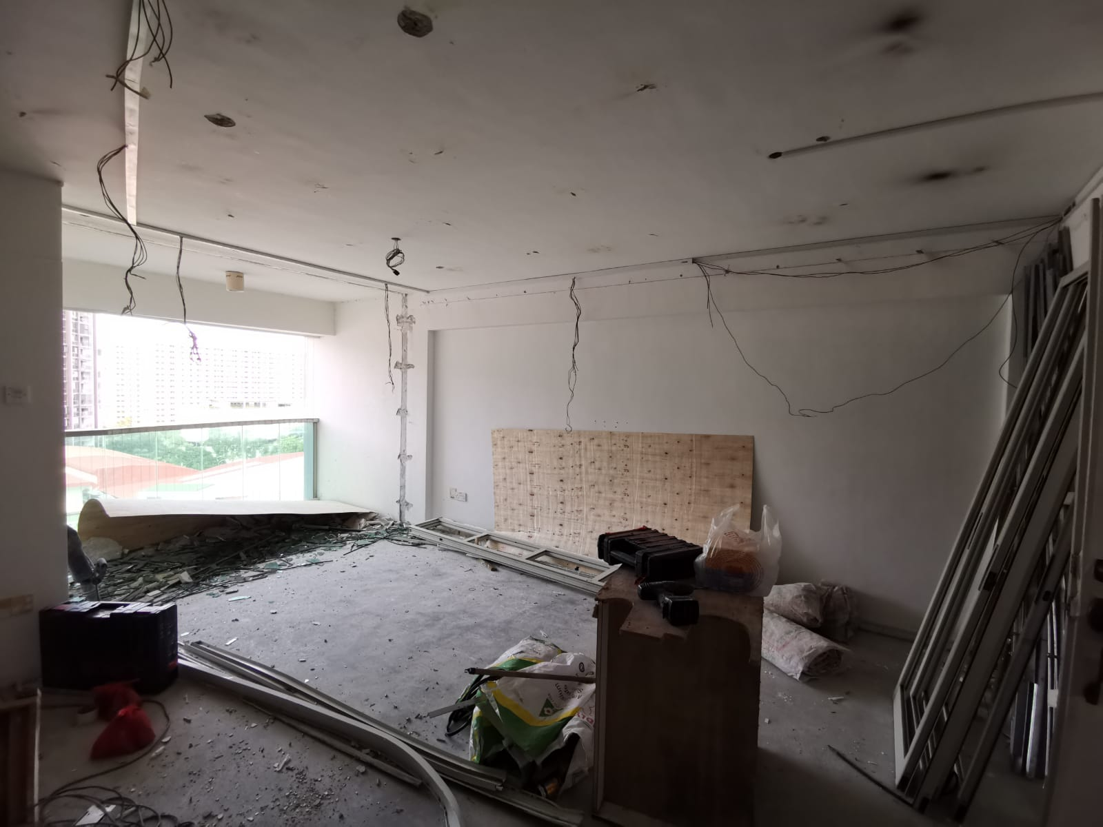 punggol hdb flat renovation circuit breaker