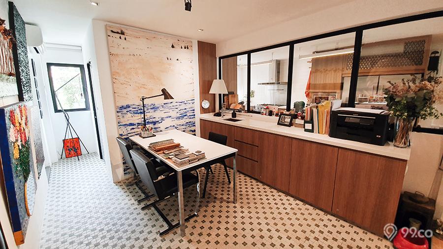 ang mo kio hdb jumbo flat work studio