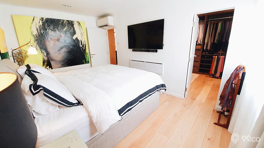 ang mo kio hdb jumbo flat master bedroom