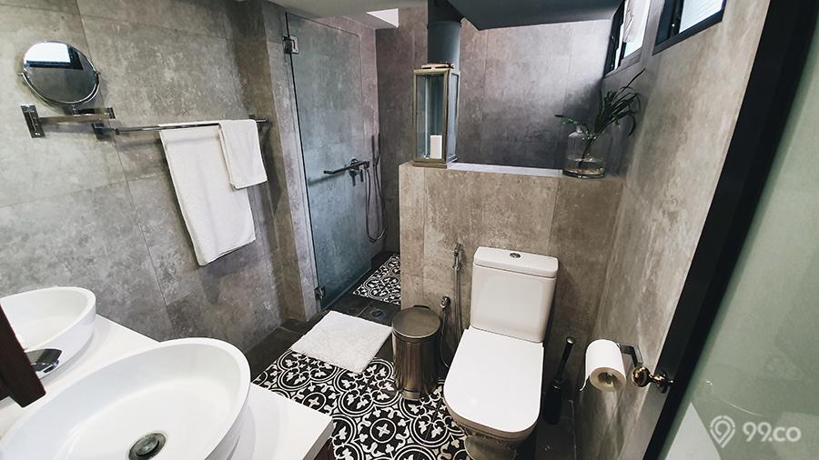 ang mo kio hdb jumbo flat master bathroom