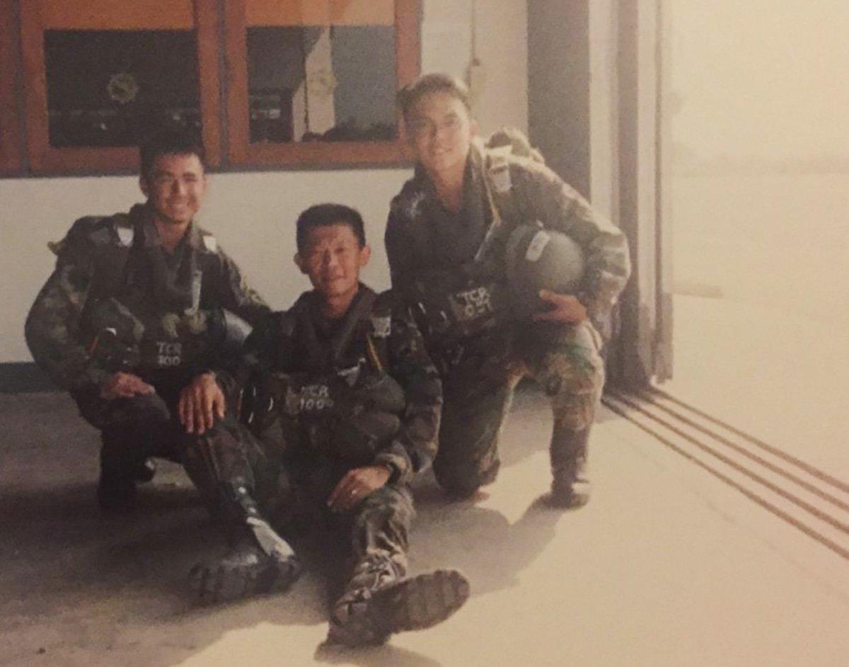 Eugene Lim with CO 1st Commando Battalion